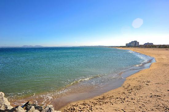 Hostal Novel Risech: La plage