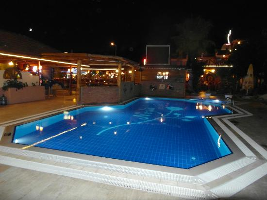 Flying Dutchman Hotel: Pool