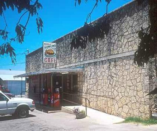 Blanco Bowling Club Cafe: The Building