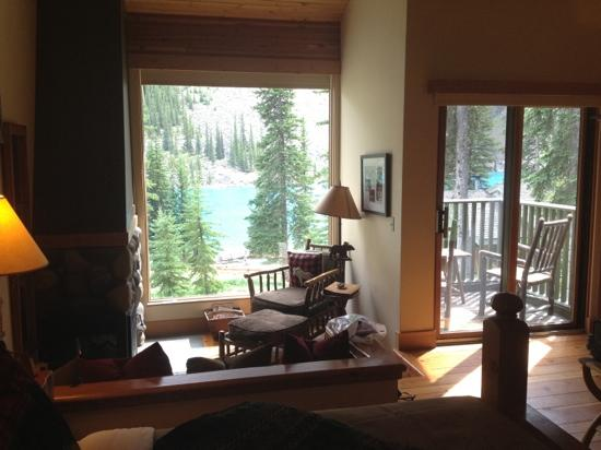 Moraine Lake Lodge: what a view!!!