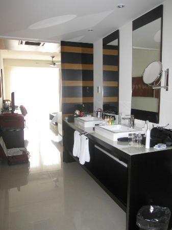 Secrets Huatulco Resort & Spa: Junior Suite Bathroom