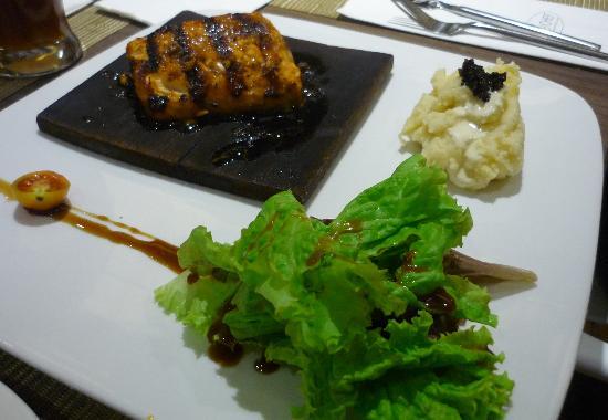 Tito Chef Restaurant: Cedar Salmon