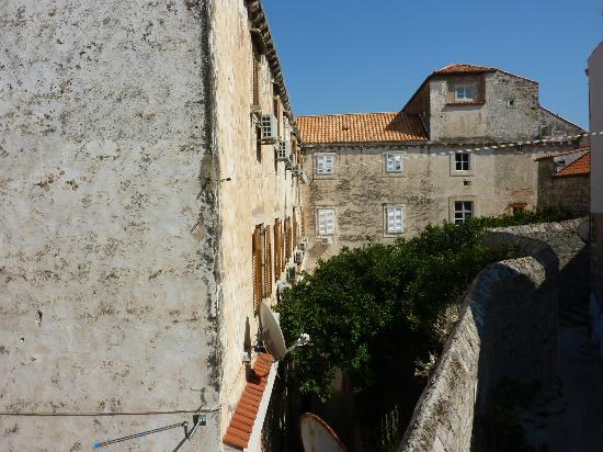 Old Town Accomodations: vue de la chambre twin