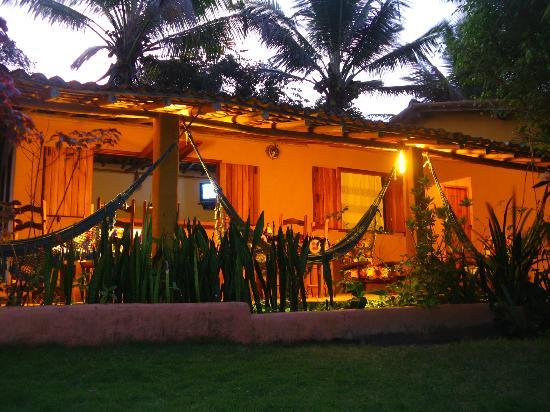 Condominio Dos Nativos: galería iluminada