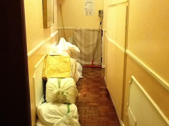 Hotel Campiello: hallway full of dirty laundry