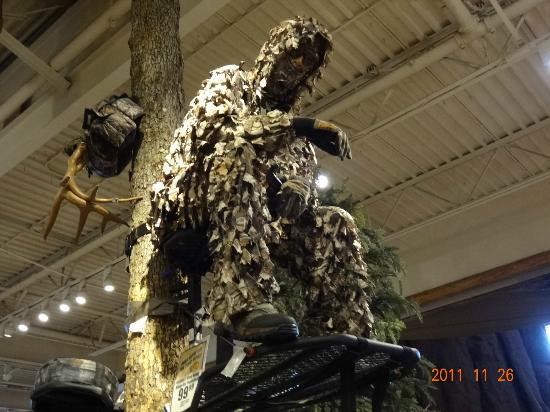 Bass Pro Shop: Hunting Area