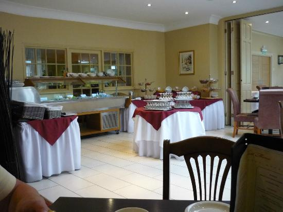 Oriel Country Hotel & Spa: lovely dining room