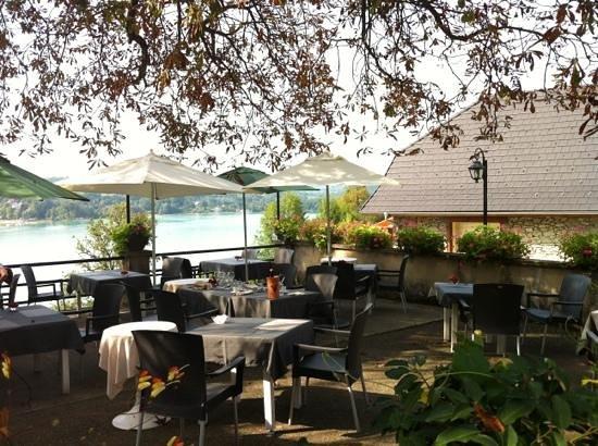 Aiguebelette-le-Lac, Frankreich: la terrasse