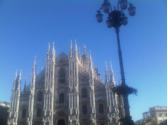 Residence & Hotel  Aramis Milan Downtown: Duomo Cathedral - 15 minuts by walk