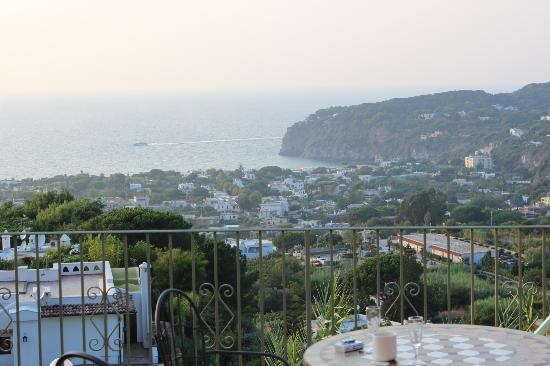هوتل بوجيو ديل سول: La veduta dal terrazzo della camera 