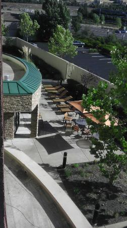 Courtyard Sacramento Folsom: Hang out, play with the kids.