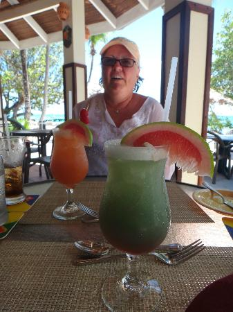 Palm Island Resort & Spa: A wide variety of exotic, tropical drinks start lunch just right