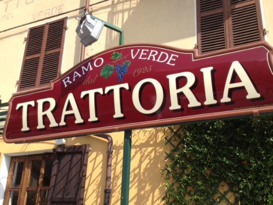 Carema, Италия: l'insegna vecchio stile