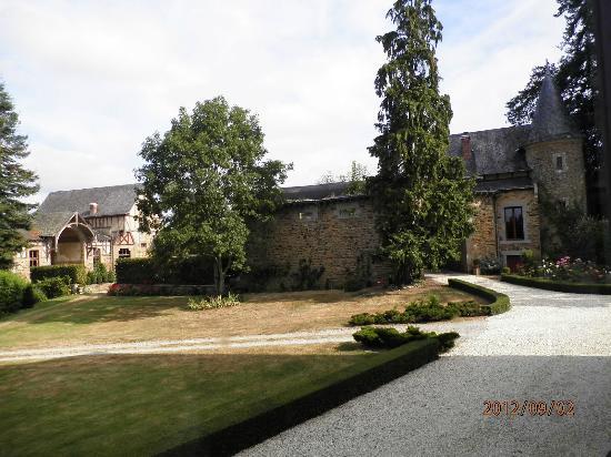 Chambres d'hotes Chateau de Villatte: vue depuis notre chambre.