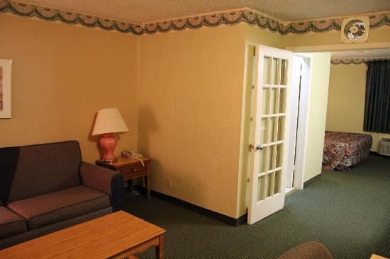 Travelodge Inn & Suites San Antonio Near Fort Sam : Room