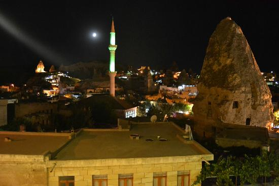 Hotel Ariarathes: the panorama of Goreme from the terrace at night