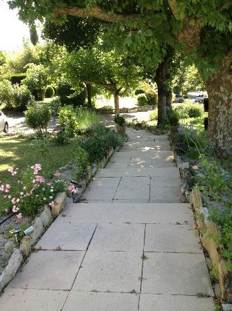 Hotel Restaurant la Cardinale: The garden