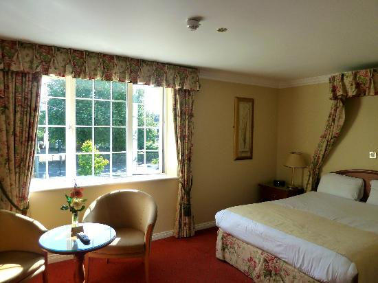 Old Weir Lodge : Spacious Bedrooms