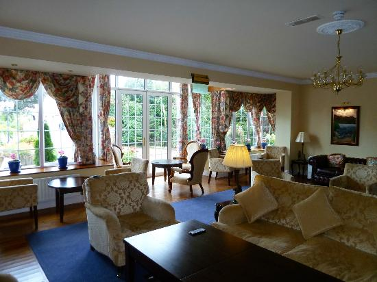Old Weir Lodge: One of Two Guest Lounges