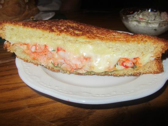 The Dan'l Webster Inn Restaurant: MMMMM lobster grilled cheese