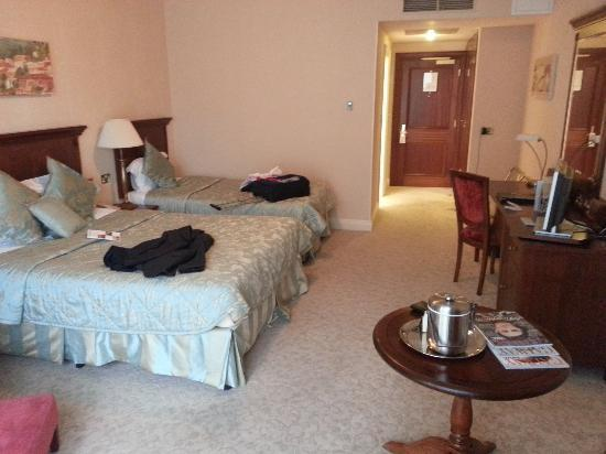 The Ardilaun Hotel: room