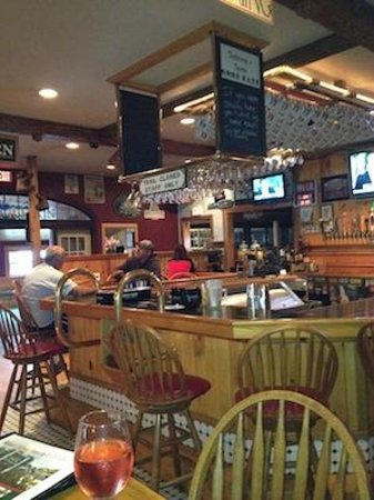 Tuckermans Restaurant & Tavern : Tuckerman's Restaurant & Tavern