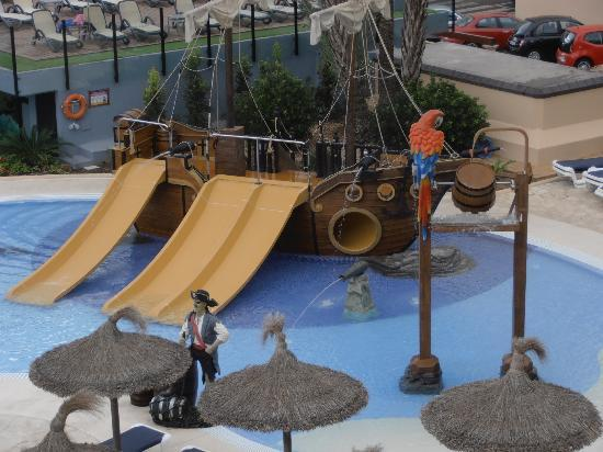 Hotel Marins Playa: pirate ship