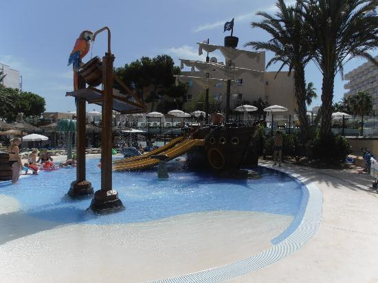 Hotel Marins Playa: pool area