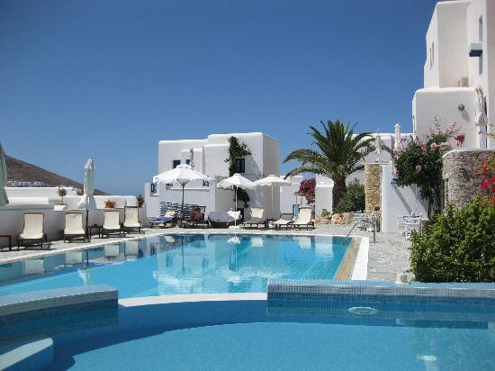 Folegandros Apartments: the pool