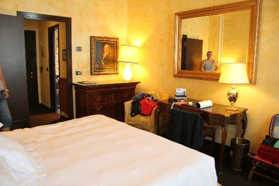 Grand Hotel Duchi D'Aosta: la camera