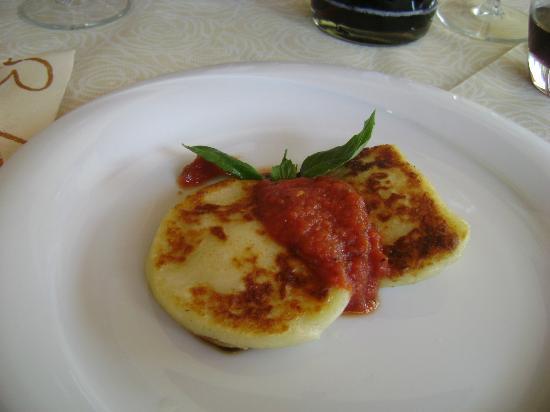 Ristorante Pizzeria Pulcinella: gnocchi con salsa marinara