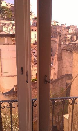 Residence Le Vie Del Mosto : balconcino sui sassi