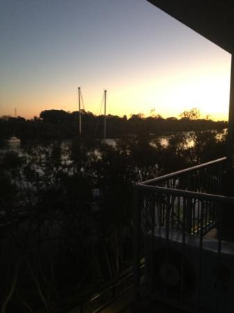 Burnett Riverside Motel: view from river spa room on first level