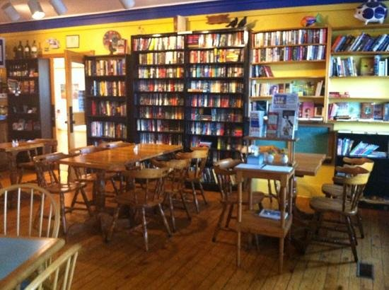 Chatterbox Cafe: used book library