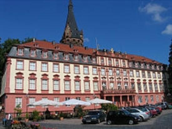 Hotel Gasthof Zur Krone Odenwald-Sterne-Hotel : Erbacher Schloß in Nähe vom Hotel