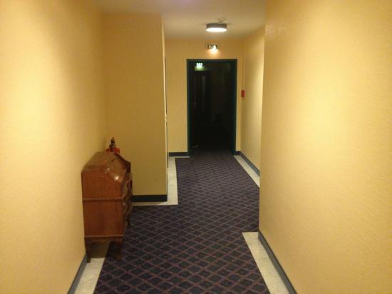 Hotel Königshof Am Funkturm: corridoio