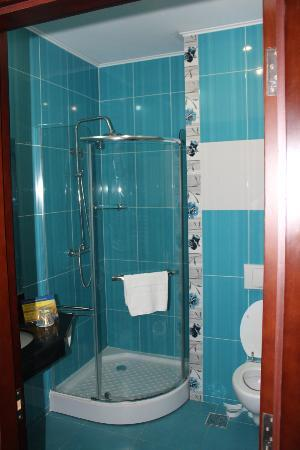 Hotel Del Mar Mamaia: Bathroom spotless and very modern