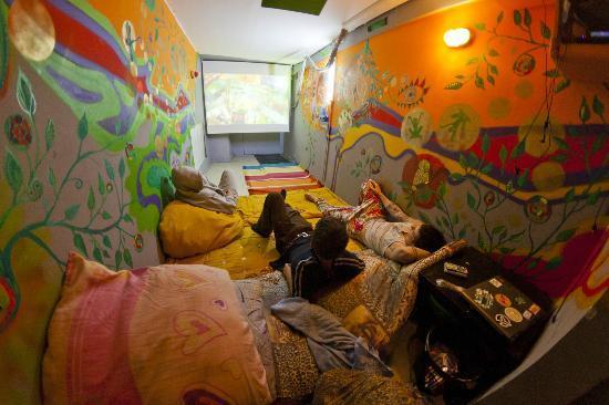 Why Not? Hostel: cinema