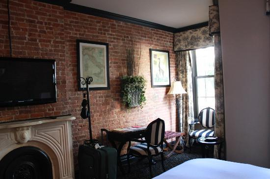 The French Quarters Guest Apartments: Room 207