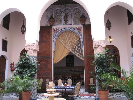 Riad Ahlam: L'entrée du salon