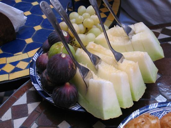 Riad Ahlam: Fruits de saison au petit déjeuner
