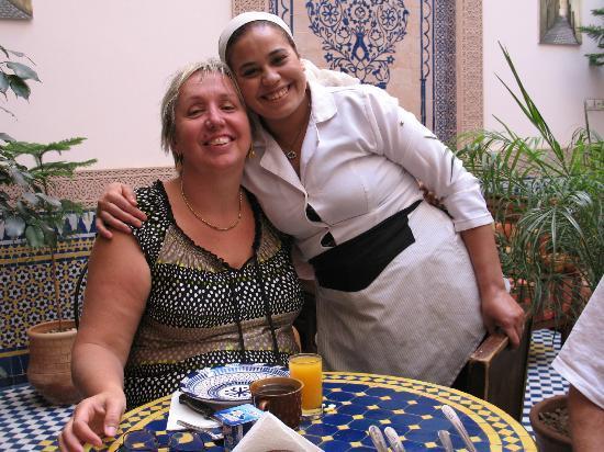 Riad Ahlam: Notre amie avec Fatiha, toujours de bonne humeur