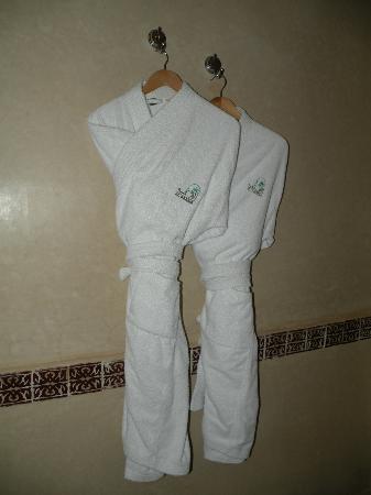Al Fassia Aguedal: bath robes