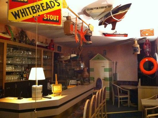 Hotel Avenue: The bar