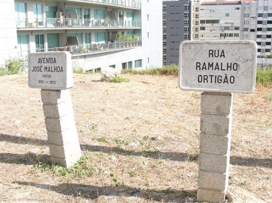 Hotel Ibis Lisboa Jose Malhoa: Rua do hotel