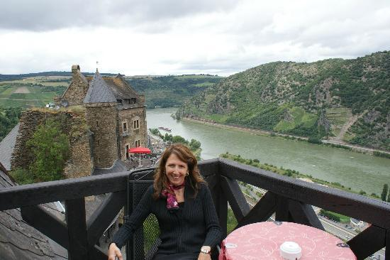 Burghotel Auf Schönburg: Beautiful view of the Rhein River from our balcony