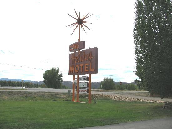 ‪لونج هوليداي موتل: Long Holiday Motel sign