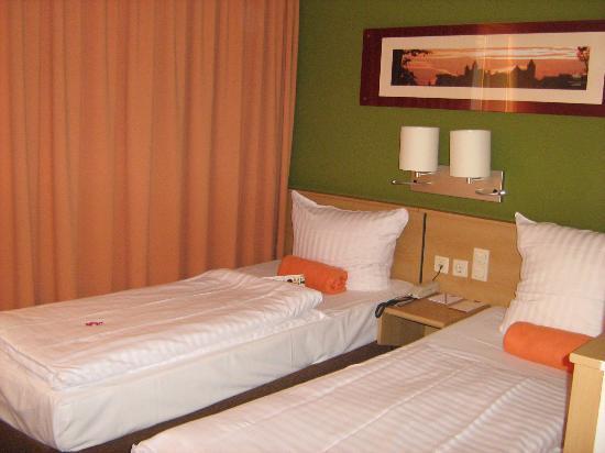 Leonardo Hotel Nürnberg: room