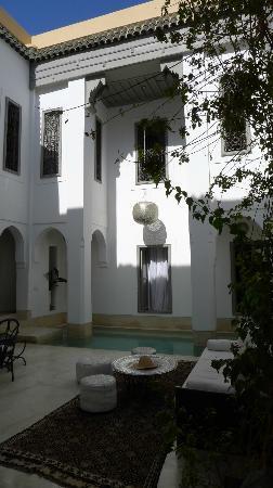 Riad Snan13: Es la vista que tienes al entrar al patio des de la calle