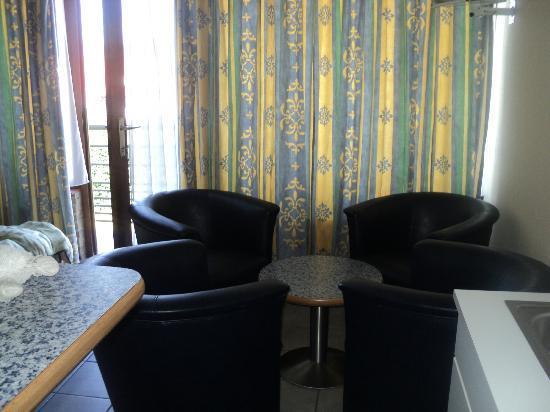 Camping Esmeralda : Living room